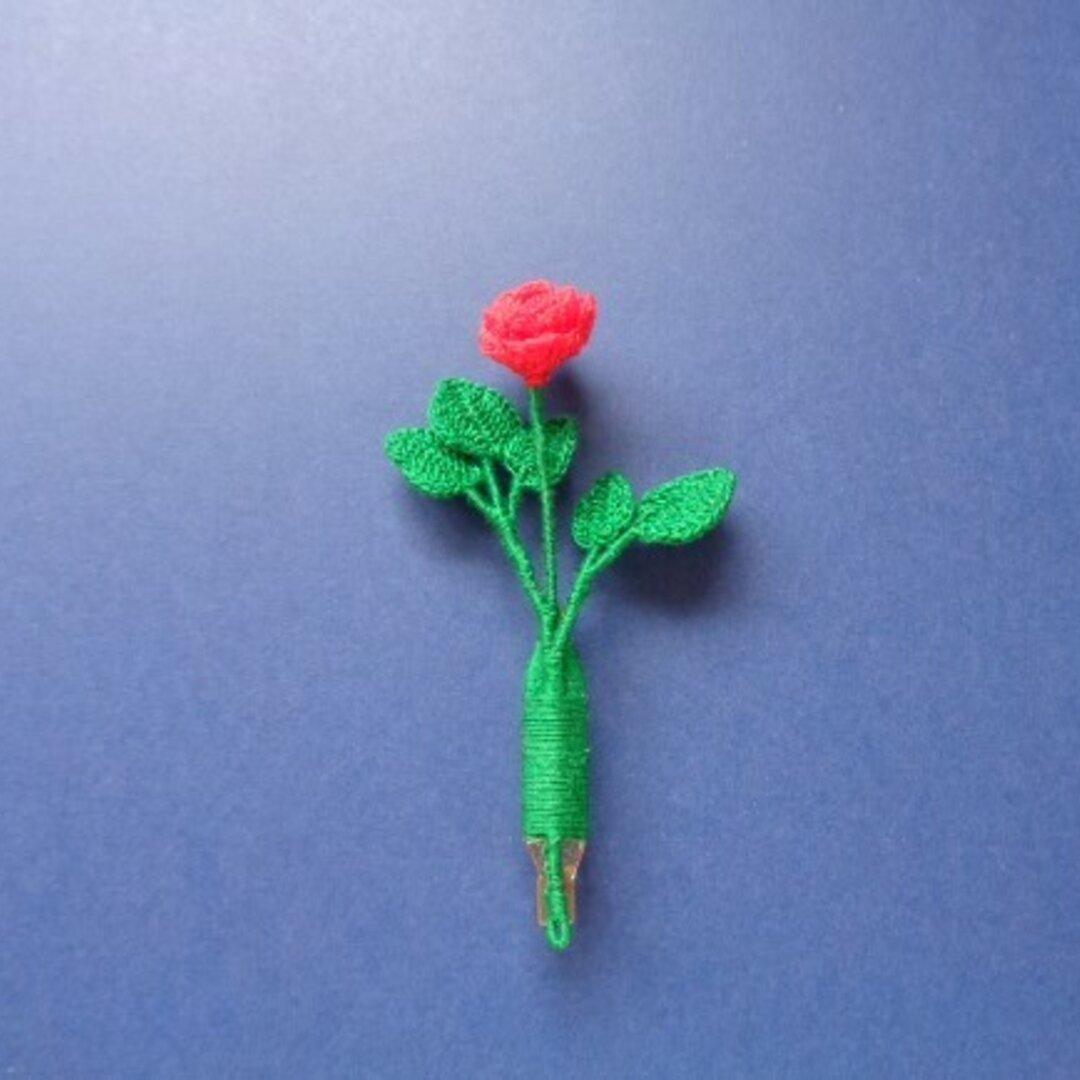 薔薇(バラ)のブローチ