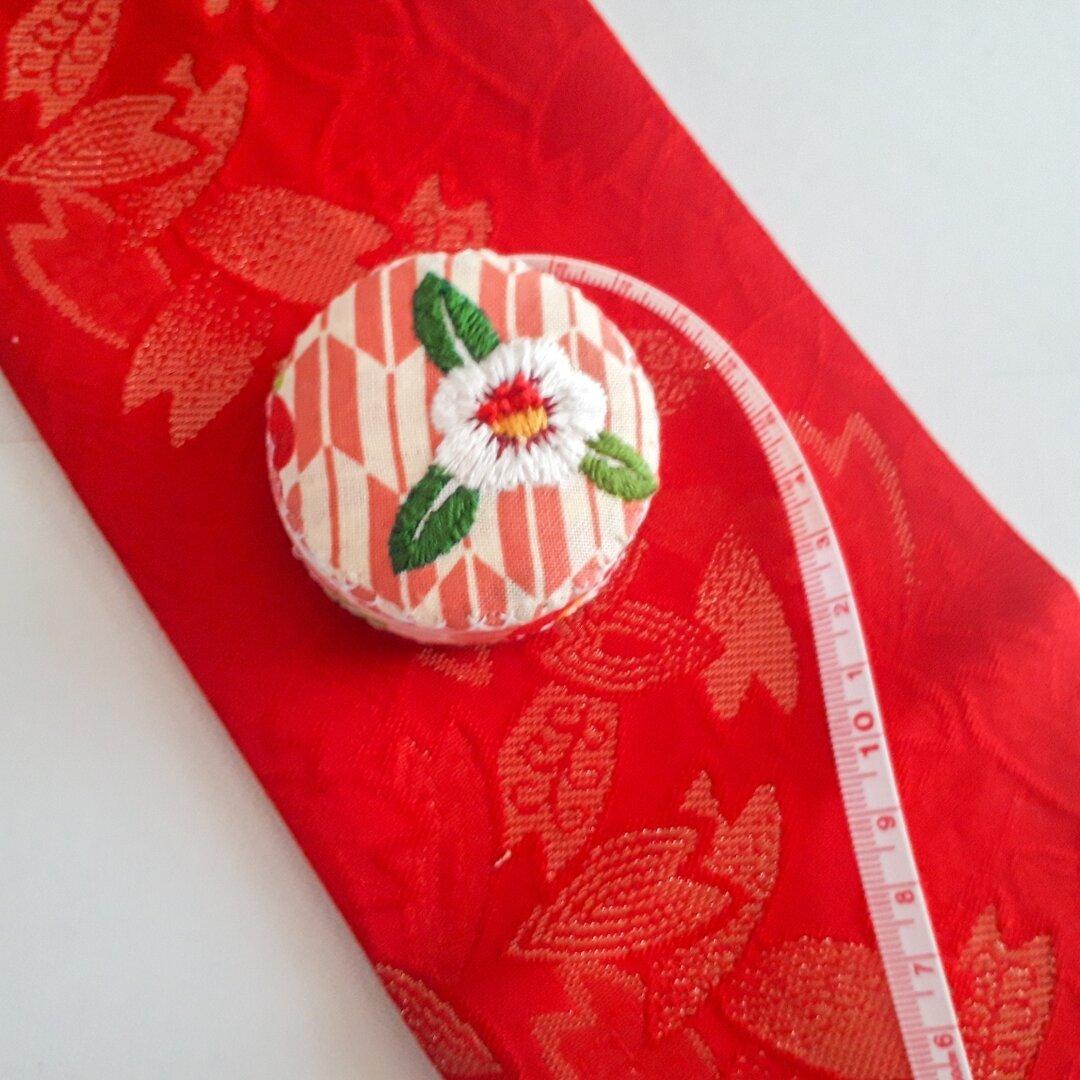 一輪の花 白椿刺繍のメジャー