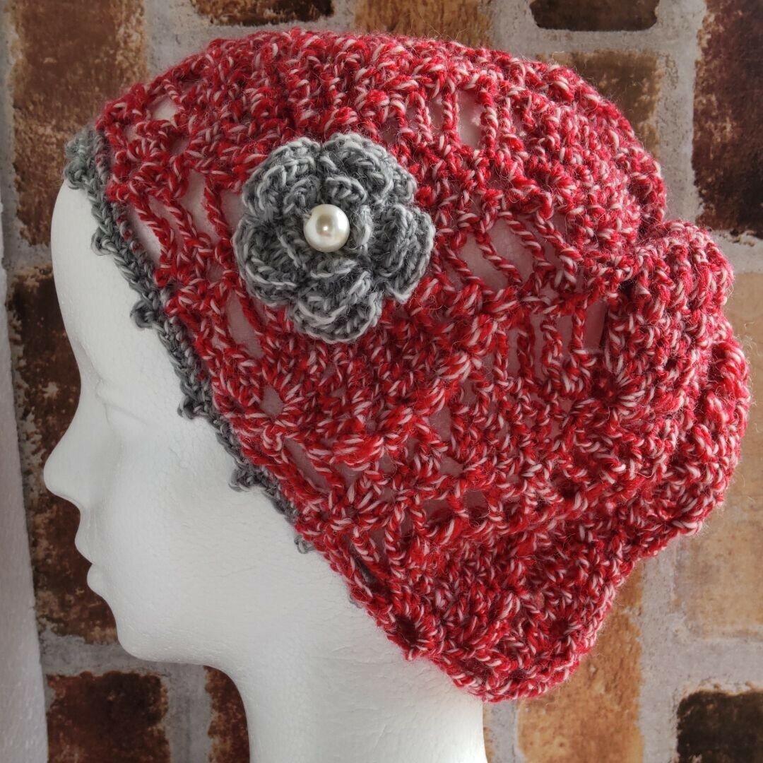 ウール・ニット帽(白赤の混ざり)・ベレー帽・帽子・アクリル