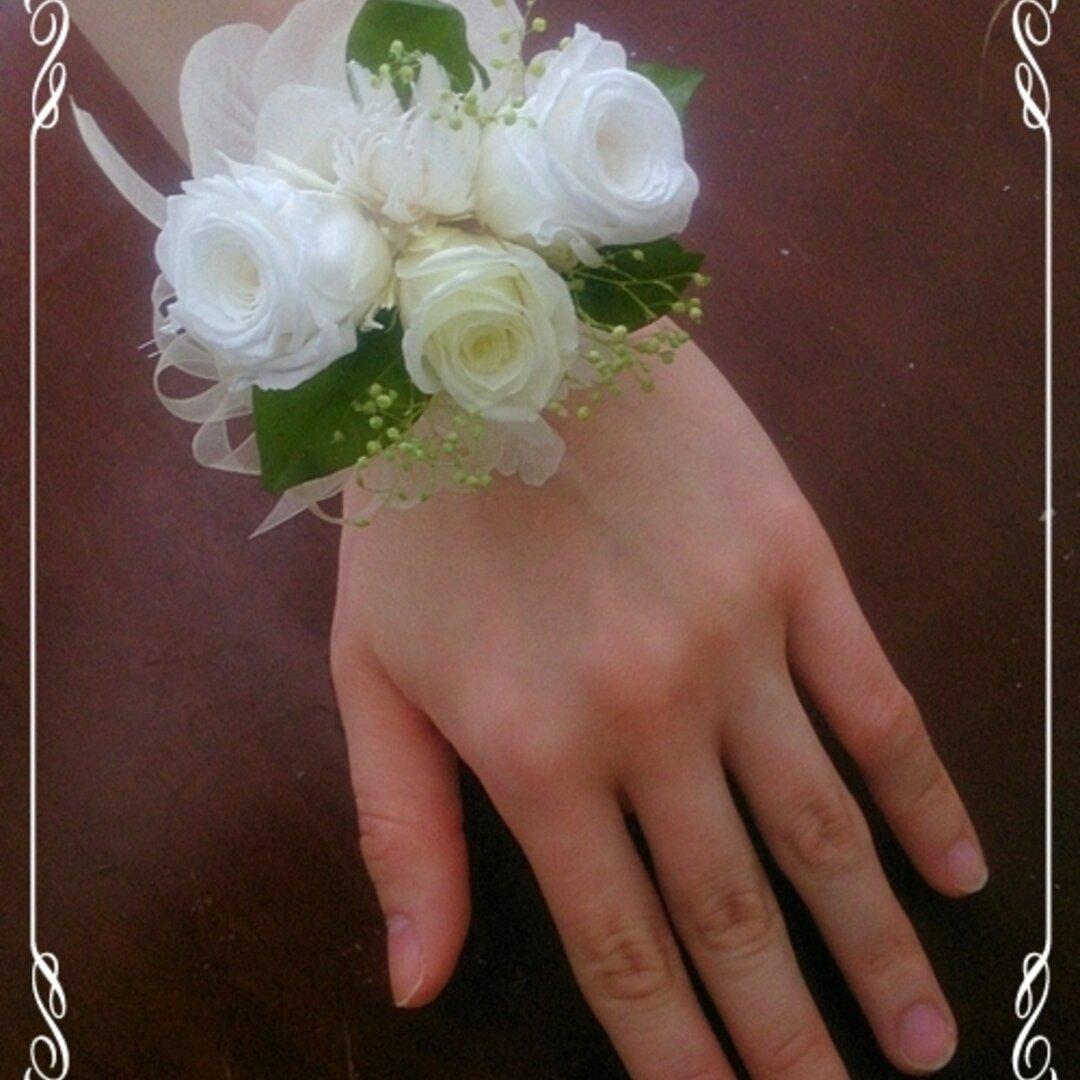 プリザーブドフラワーのリストレットM【リストブーケ】バラ・紫陽花(アジサイ) 白・緑