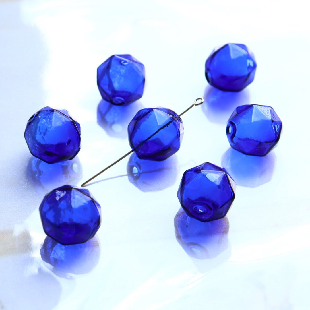 リニューアル!4個☆ 多角型ガラスボール15mm ブルー
