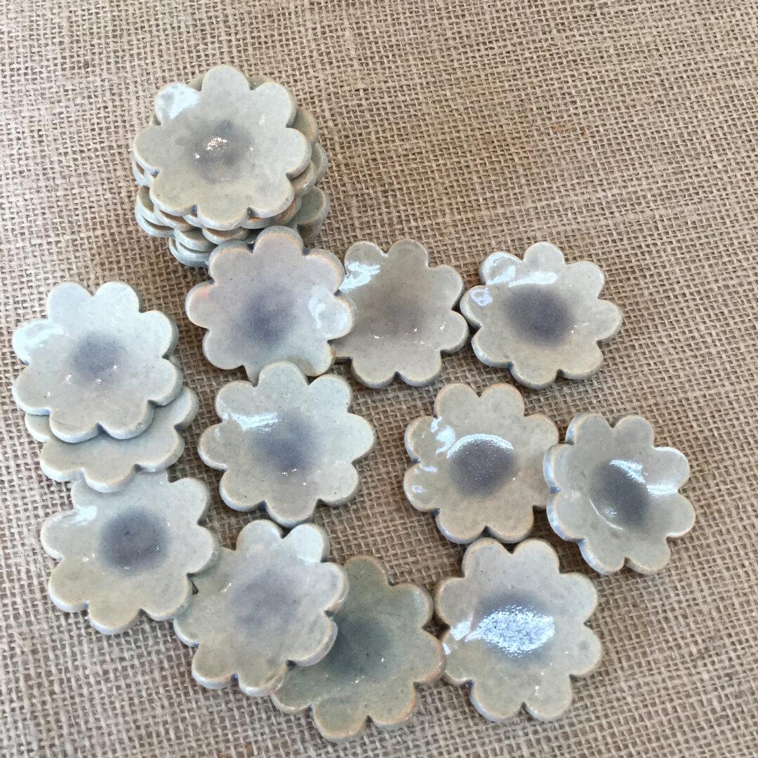 淡いブルーのお花*お箸置き