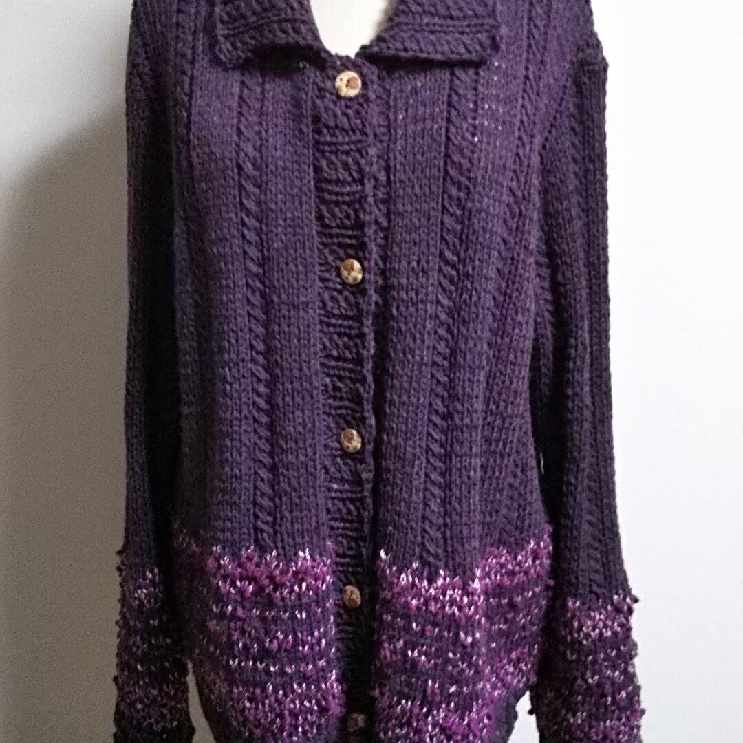 №572 棒針編み 編込み模様のジャケット