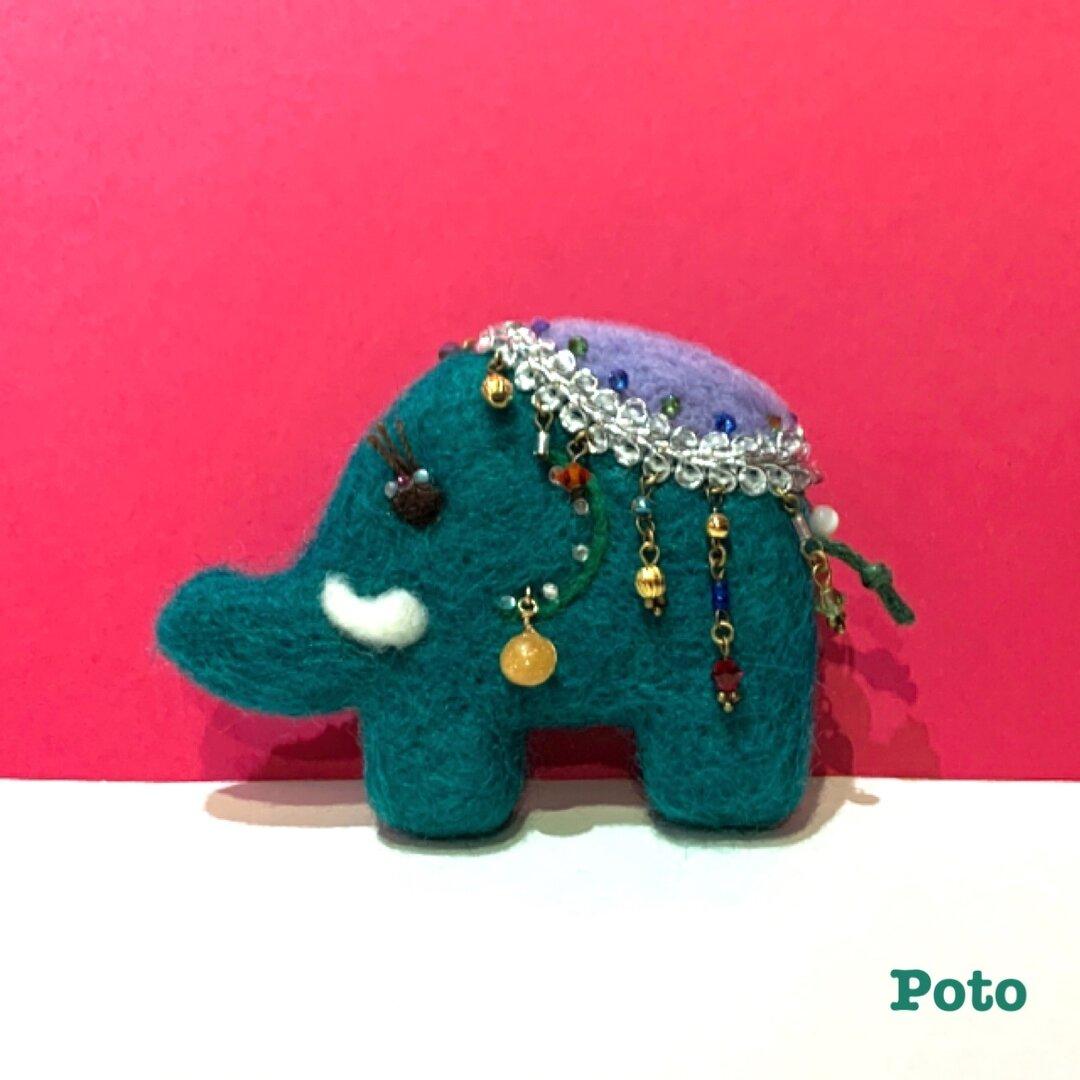 キラキラ装飾の象さんブローチ (グリーン/大)