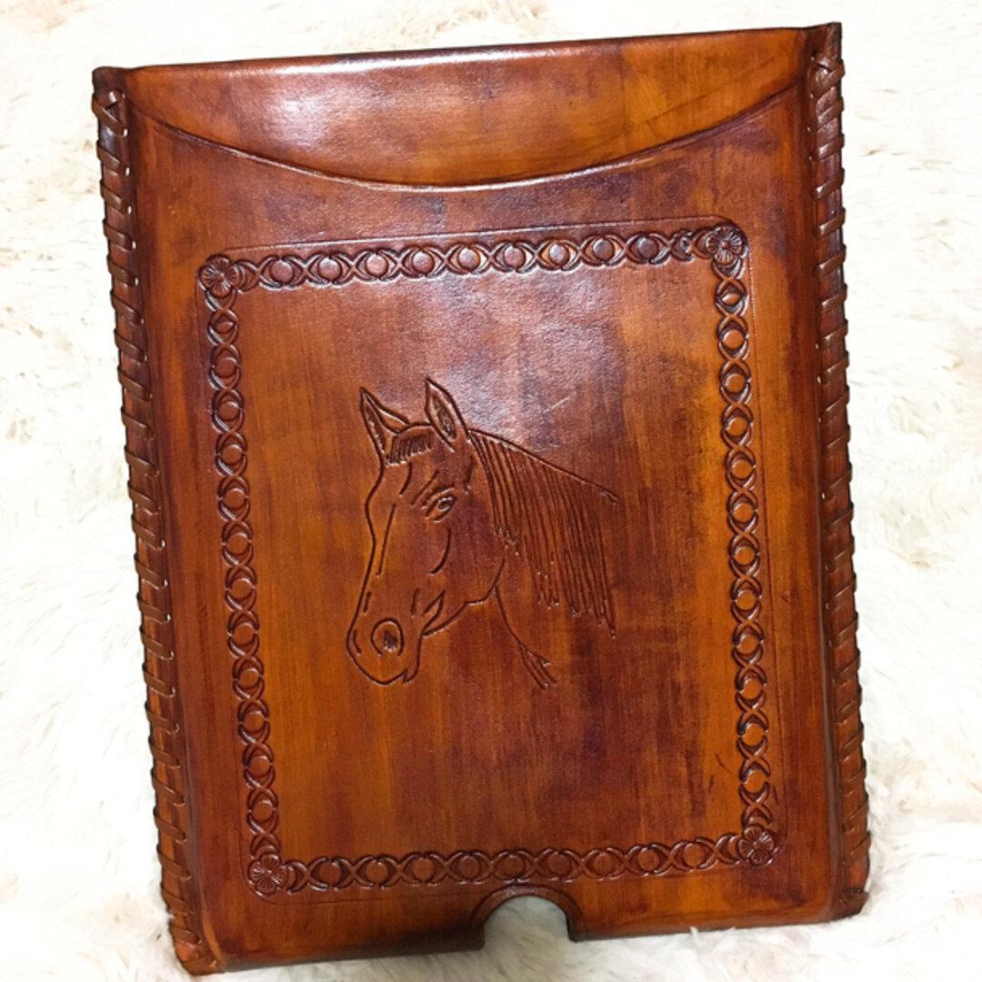 本牛革  馬のイラスト入り iPad ケース