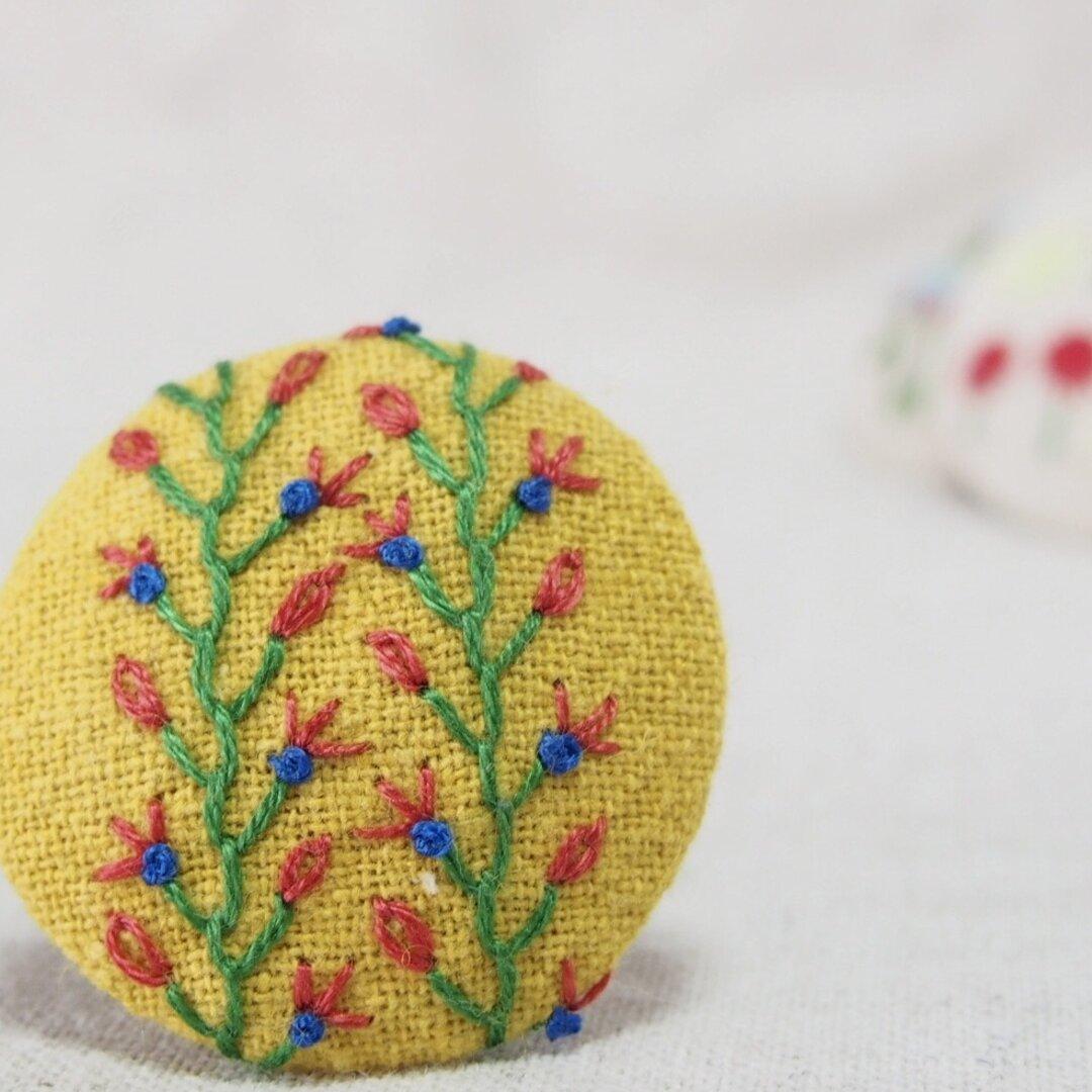 刺繍ブローチ サンプラー ヘアゴム可 くるみボタン 送料無料