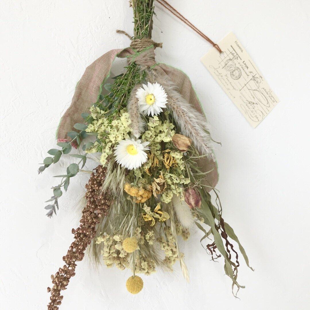 香り立つ草原ハーブスワッグ ユーカリ クラスペディア