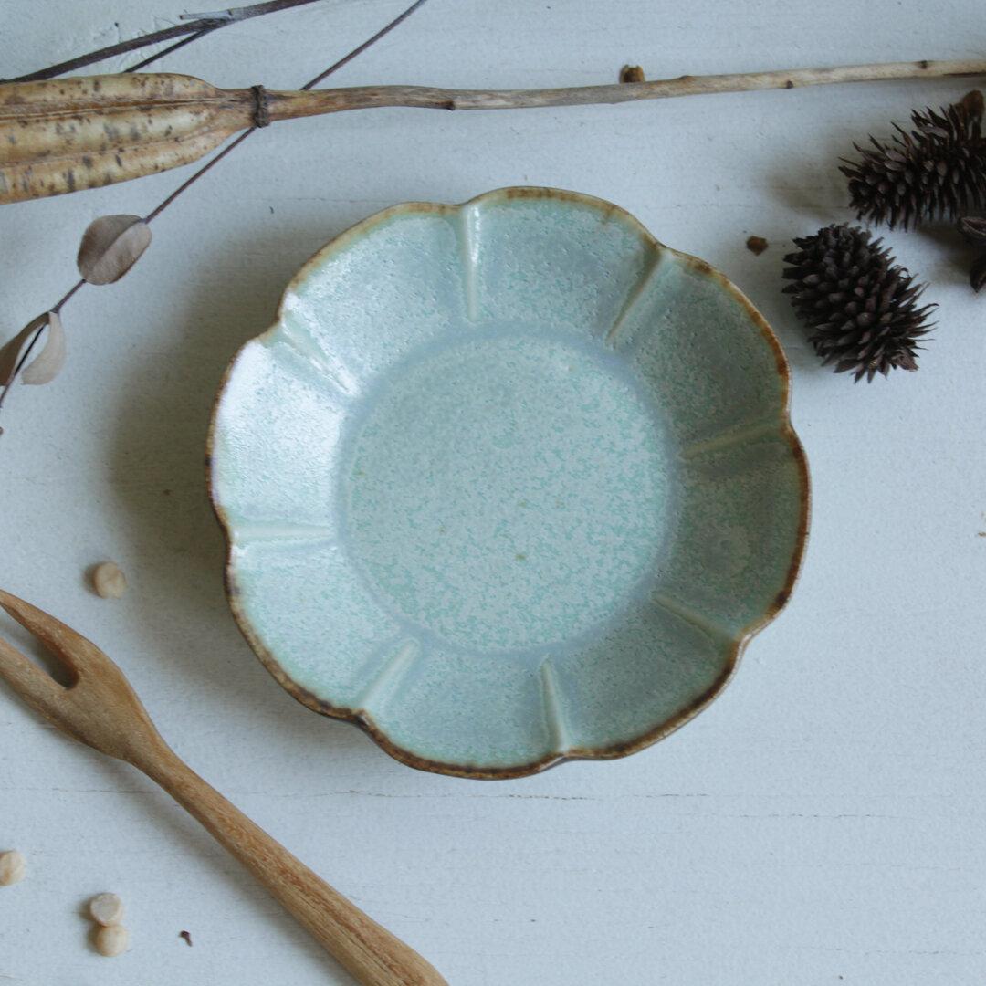 豆皿 花の豆皿 白緑系 陶器