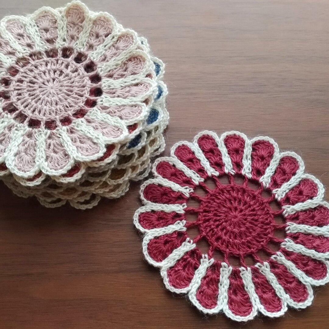 ドイリー 花びら 赤系 かぎ針編み