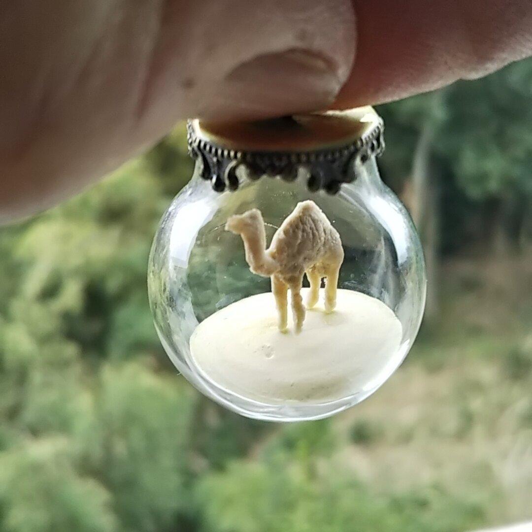 『駱駝の首飾り』🐪 ラクダさんのネックレスなどに出来るチャーム