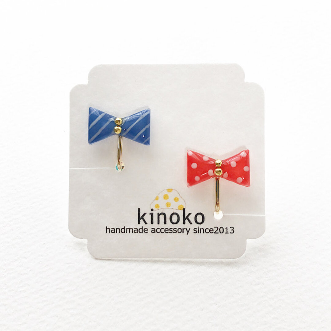 小さなリボンのイヤリング(ブルー&レッド)