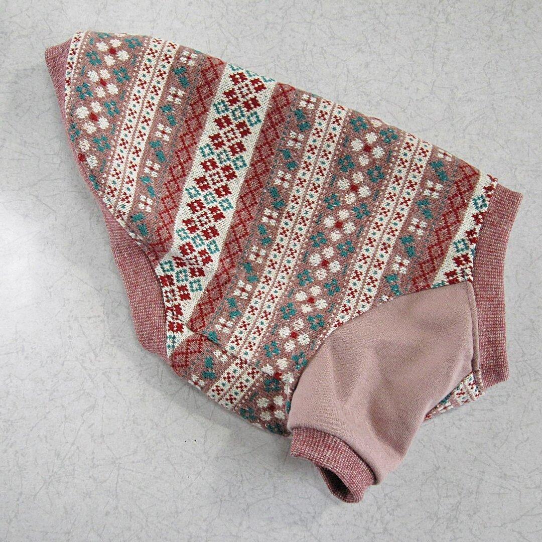 S(胸37)フォークロア柄(ピンク)の袖付きトップス♪
