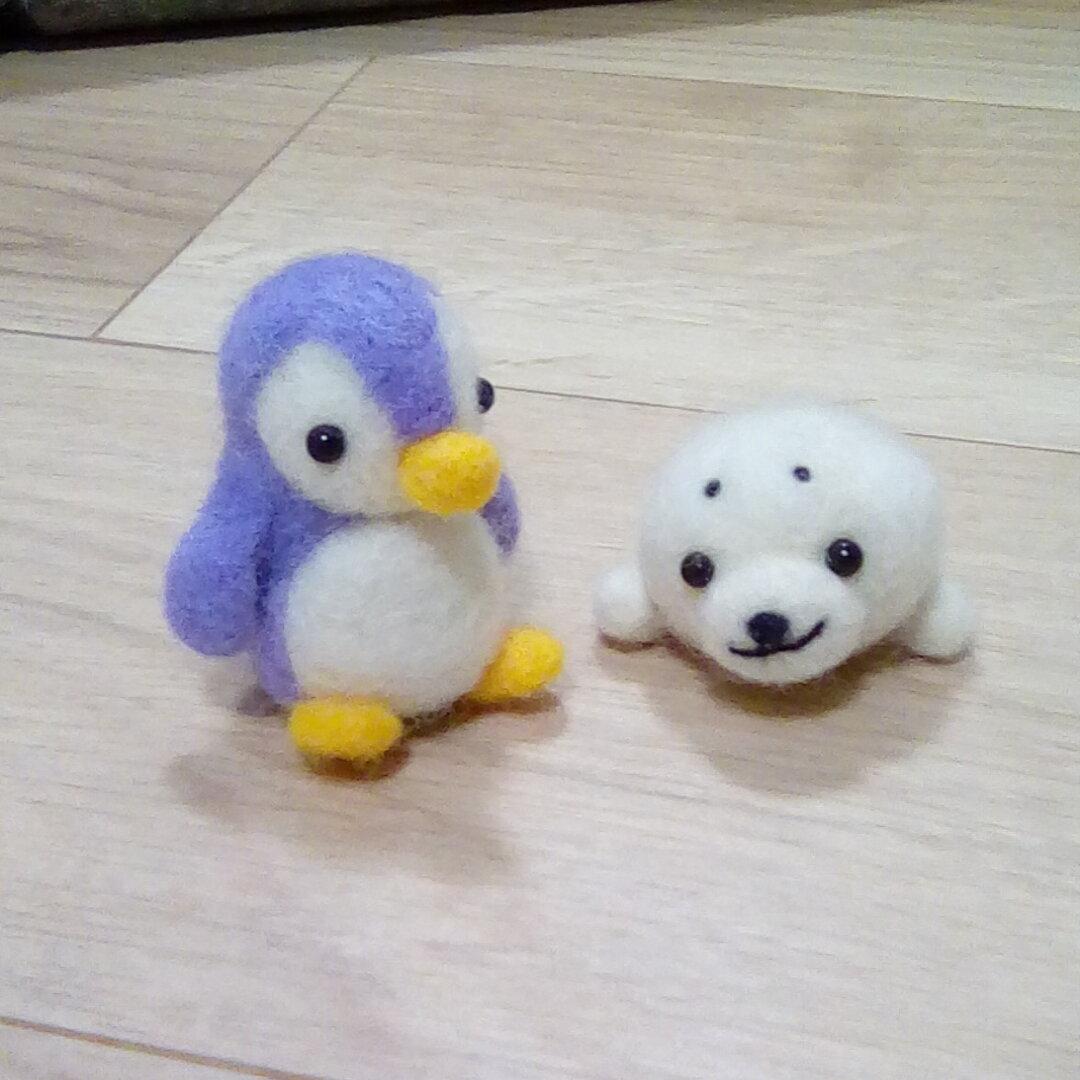 ☆受注生産いたします☆羊毛フェルト☆ペンギンさんとアザラシさん☆仲良しセット😃🍒😃
