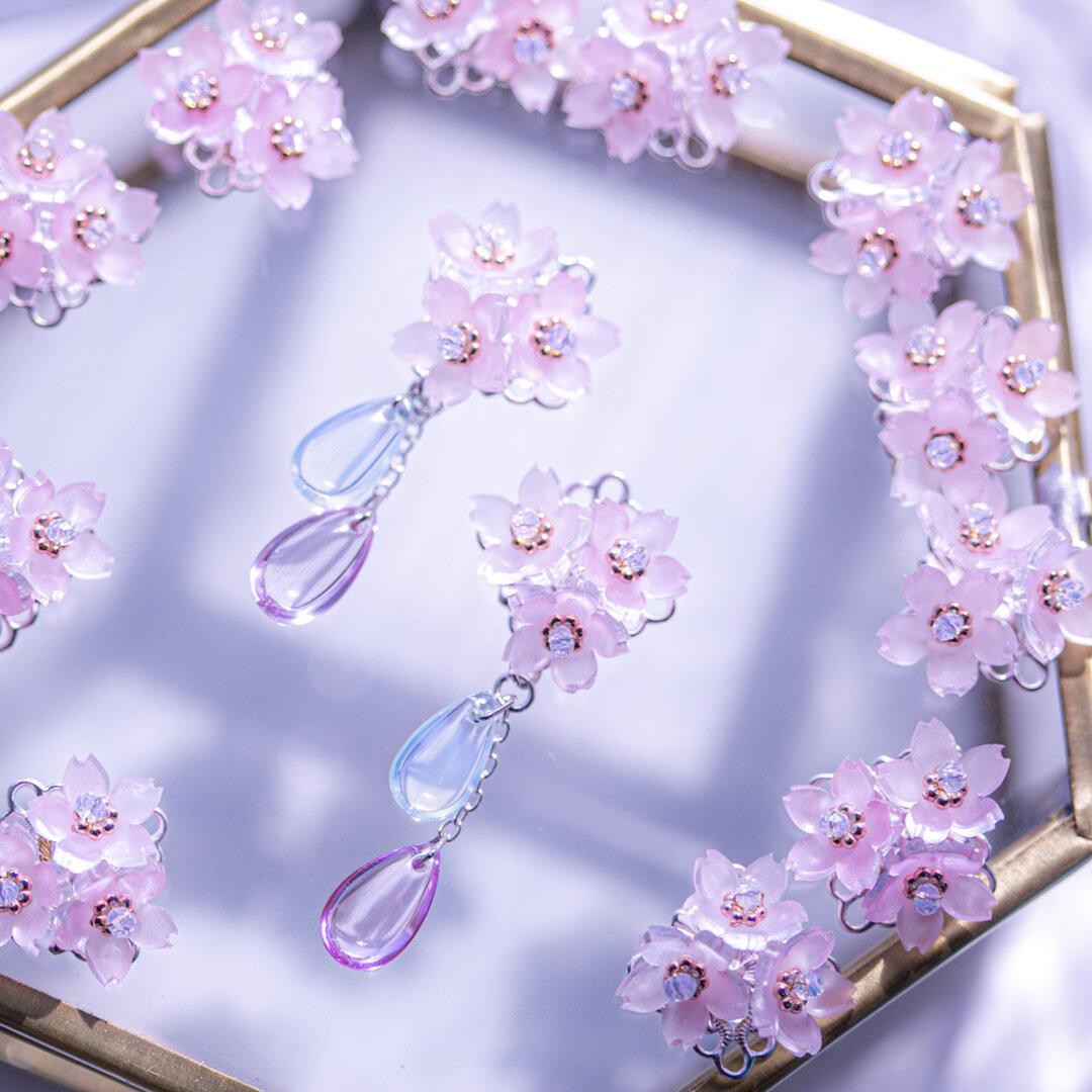 小さな桜の耳飾り