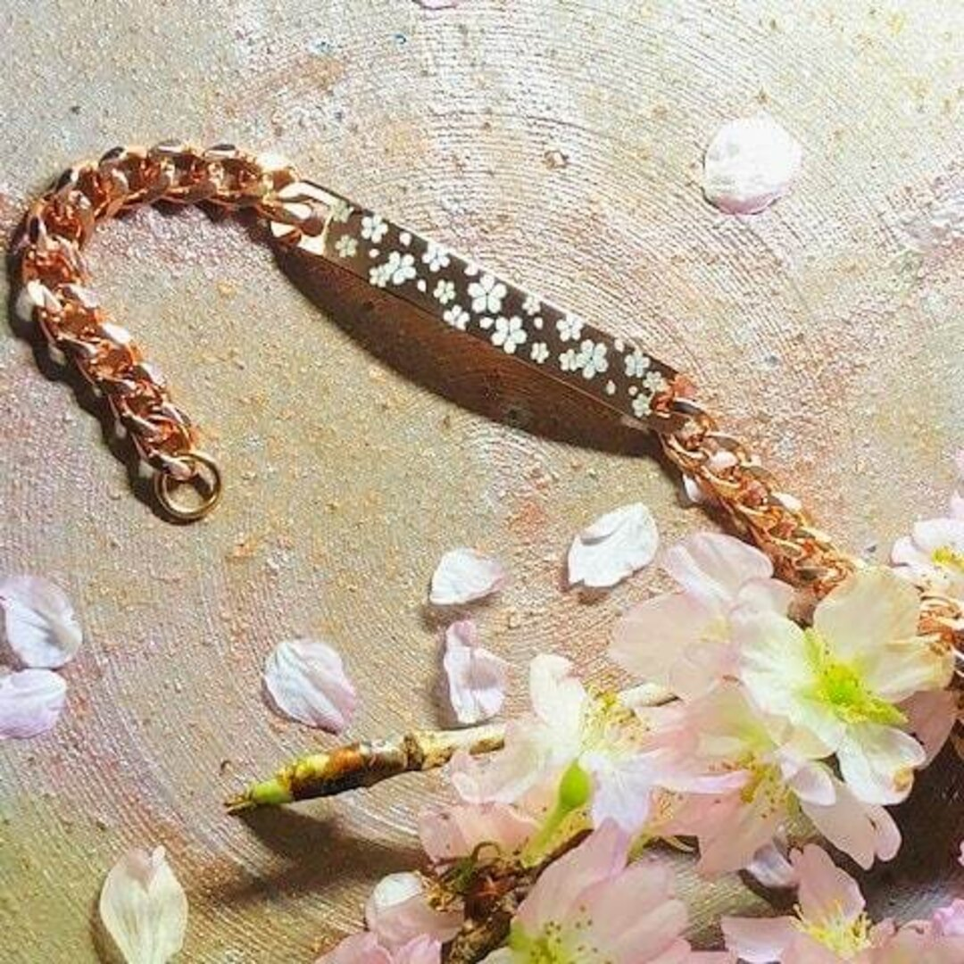 さくらブレスレット006 デザイナー書き下ろし レーザーで描く桜アート サクラサクキャンペーン