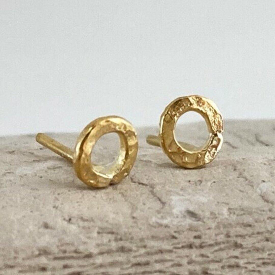 K24 Pure Gold Hammered Loop Stud ◇鎚目のついた純金のループ・スタッドピアス◇片耳分