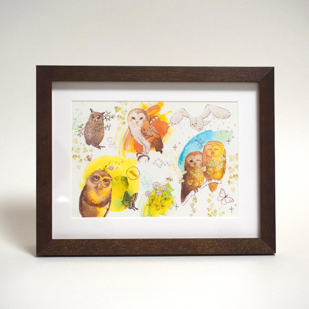 【額入り絵画】フクロウたちと絵本の森(2L イラスト プリント)