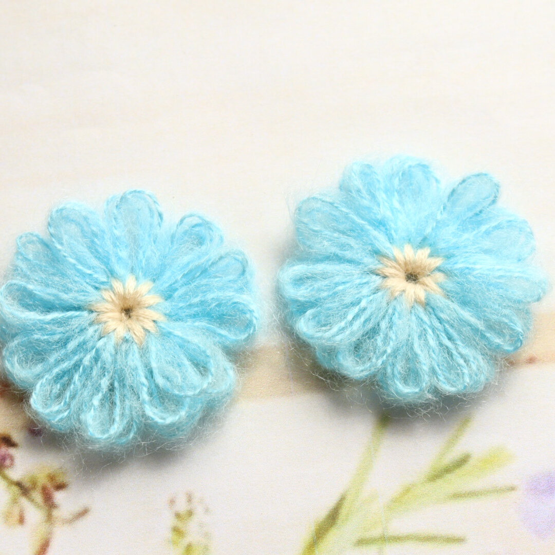 毛糸のお花 かぎ針編み ブルー