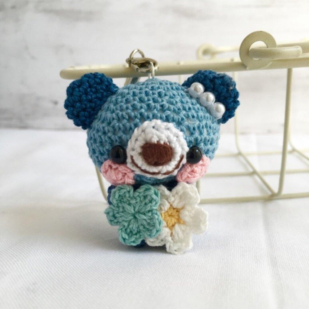 【受注生産】濃ブルー&ネイビーブルー・小花・クマさん*鈴付きイヤホンジャックストラップ
