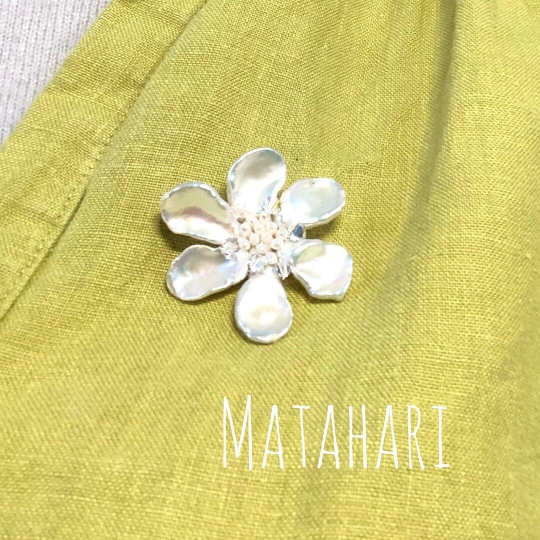[⭐️世界に1つ淡水真珠花びらケシ玉を使ったキラキラ