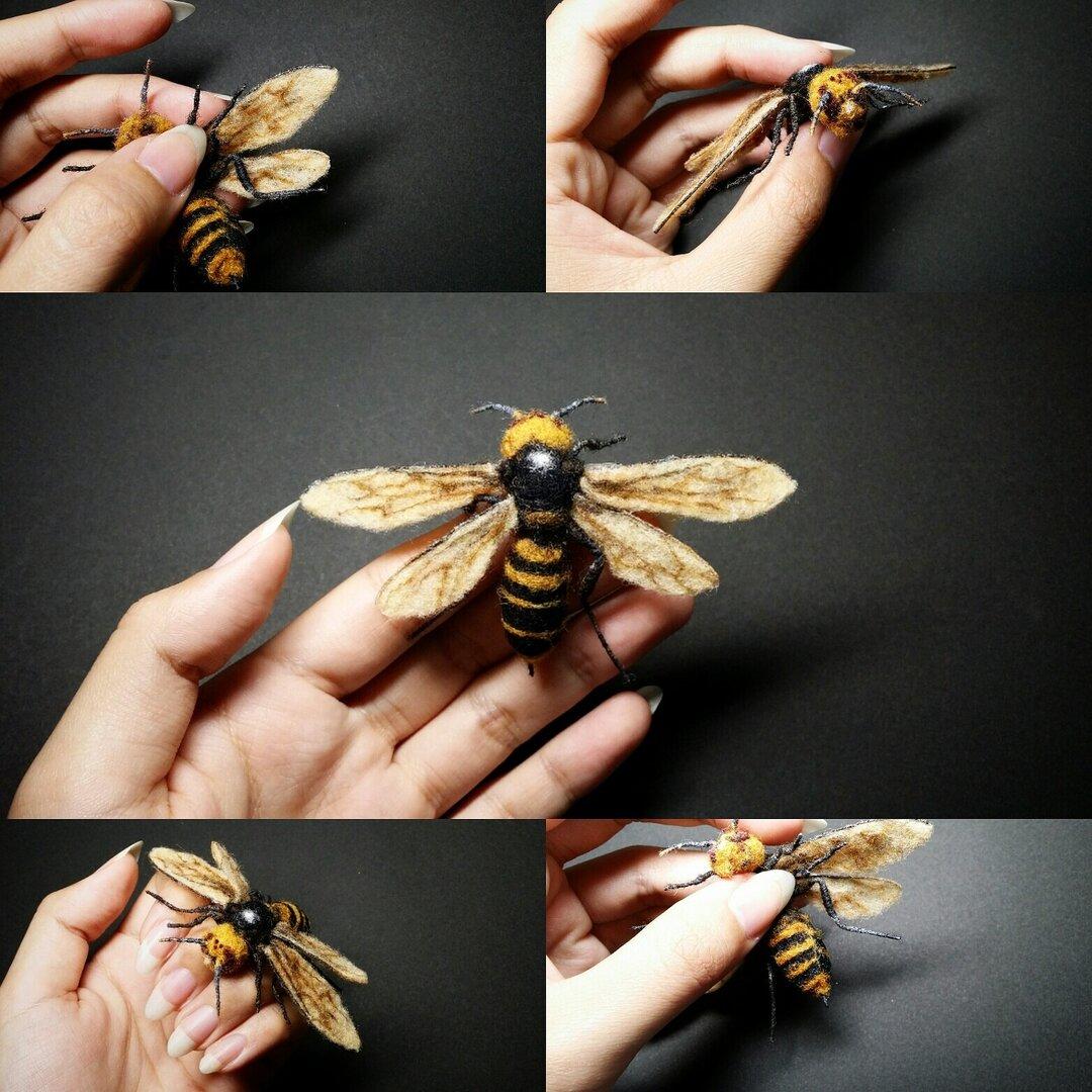羊毛フェルトのオオスズメバチ