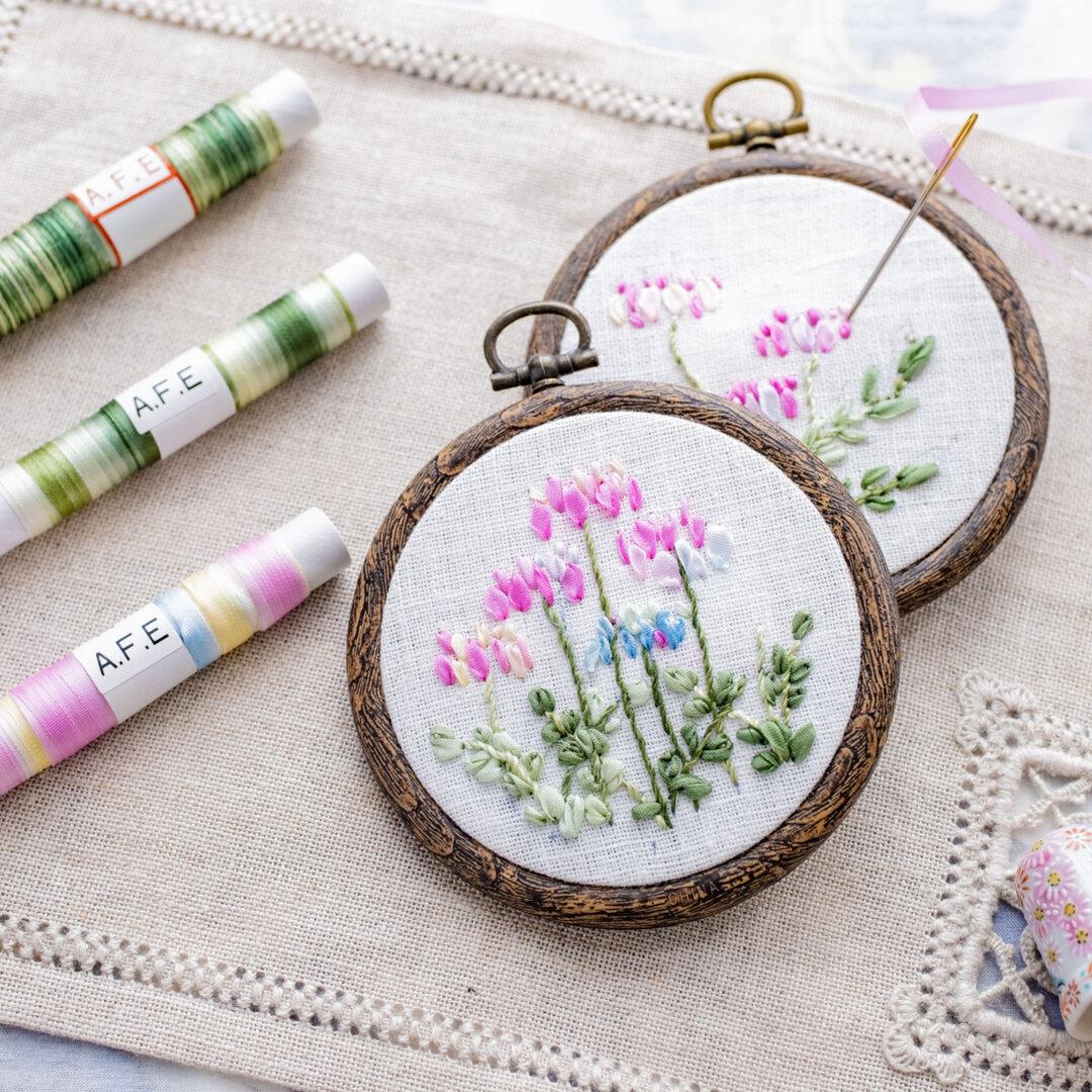 レンゲの花刺繍制作キット〜【リボン刺繍始めませんか】シルクぼかしリボンで簡単につくるキットです