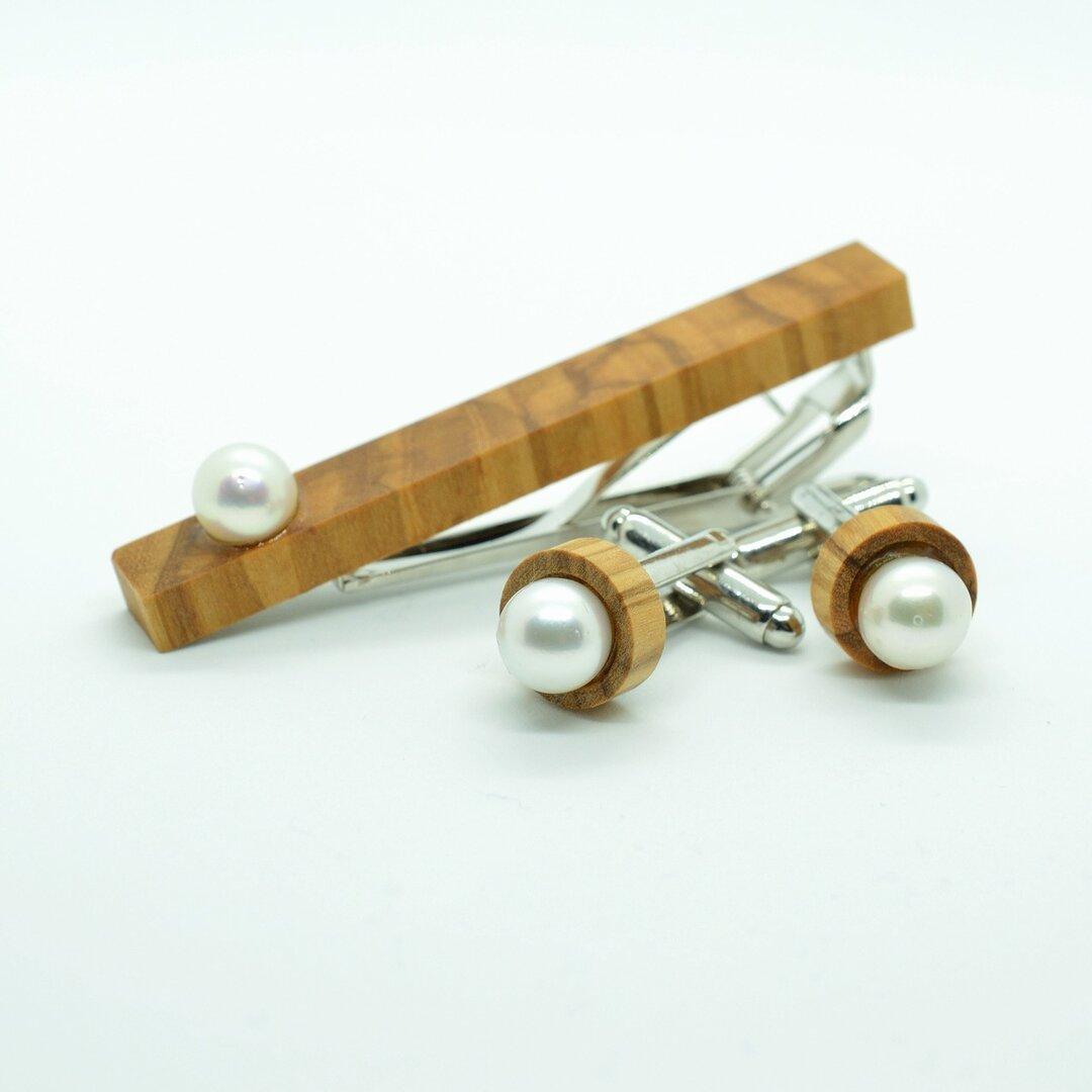 オリーブの木のタイピンとカフスボタン  -本真珠ver- |無料でネームサービスします