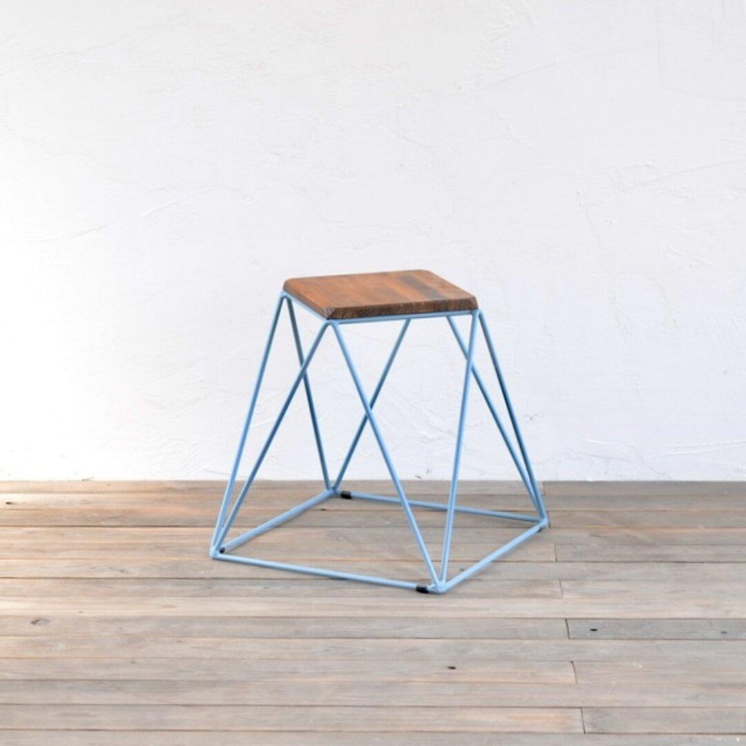 Pyramid stool / ピラミッドスツール (パイン)