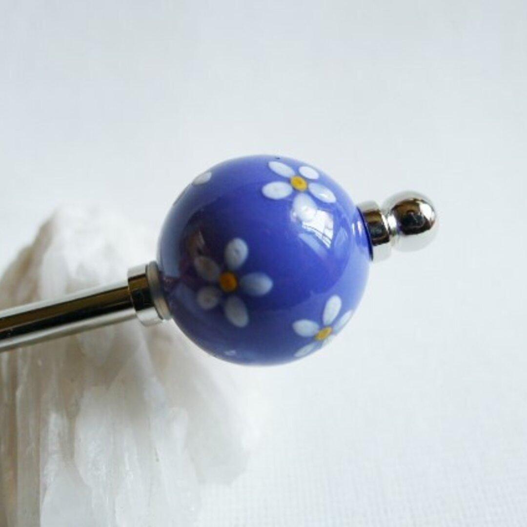 青紫に白い小花の磁器玉かんざし