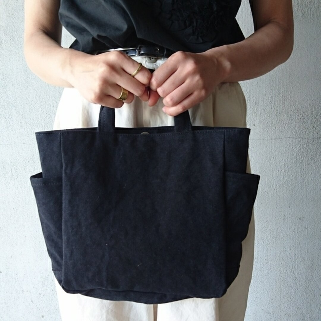 square tote S  クロ 〈帆布トート〉