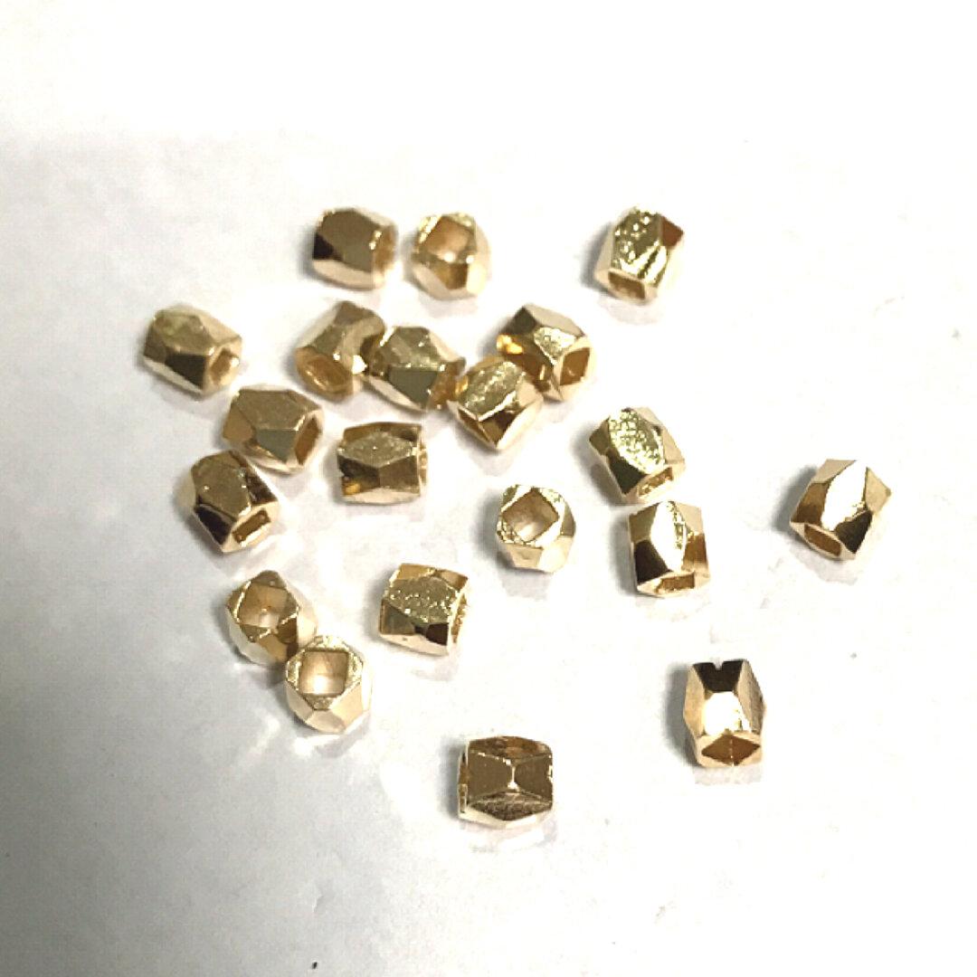 多面カットのメタルビーズ  3mm  20個 ゴールド