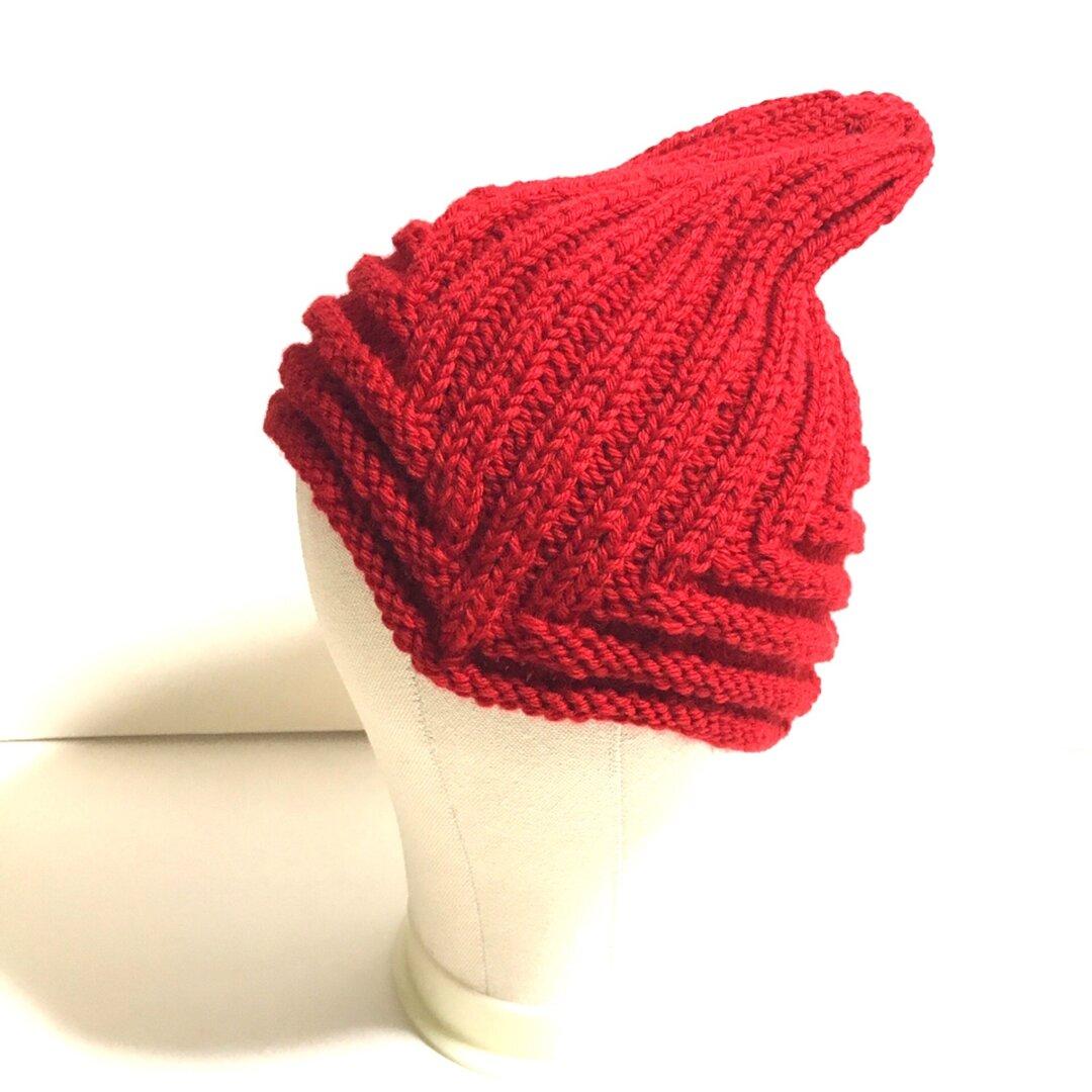 耳当て付き帽子 鮮やかなレッド ニット 秋冬