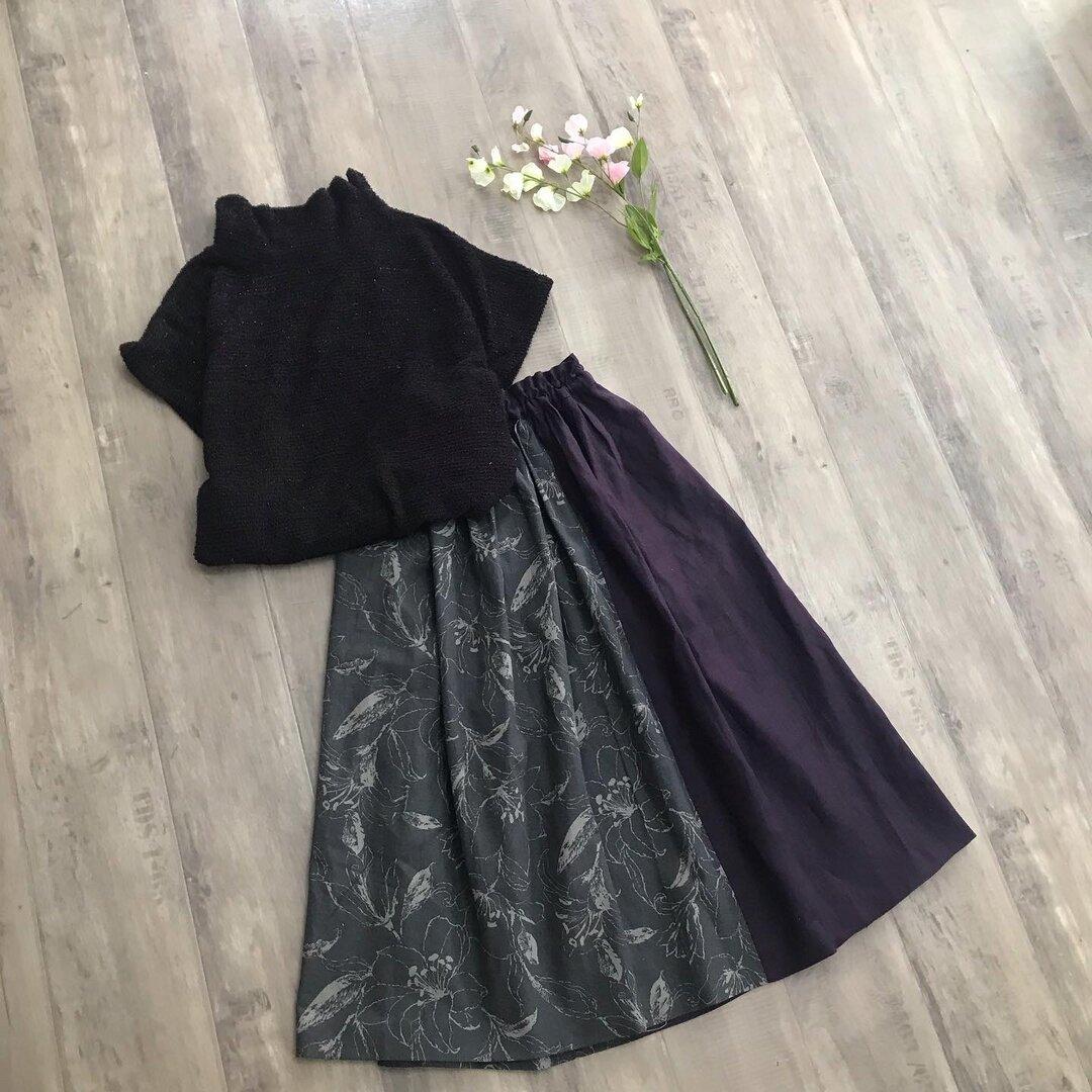 YUWA 上品なお花 の グレー×パープル ギャザースカート