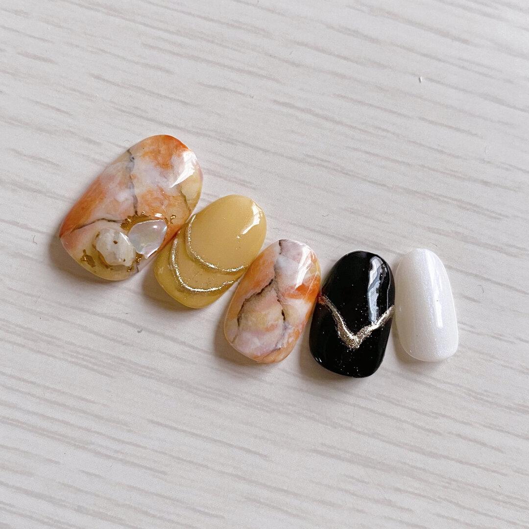 個性的 大理石風 大理石 石 サテン ミラー ニュアンス ネイルチップ トレンドネイル ちぐはぐネイル オレンジ