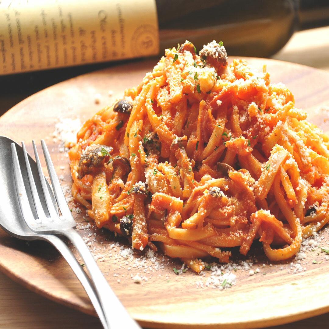 【生パスタ麺&ソース】きのことベーコンのパルミチーズトマトソース 1人前