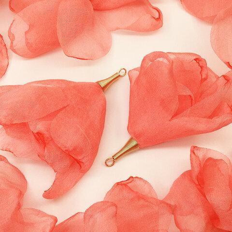 送料無料 フラワータッセル 10個 大きめ 炙り花びらゆらゆら系 ピンク 全長約7~約80mm前後 タッセルパーツ ピアスパーツ イヤリングパーツ アクセサリーパーツ AP1494