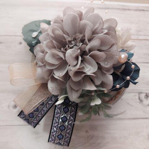 ~朝露の想い出~ダリアと刺繍リボンのフラワーブーケ コサージュ【2wayクリップ&ピン】花飾り・ヘアアクセサリーにも。