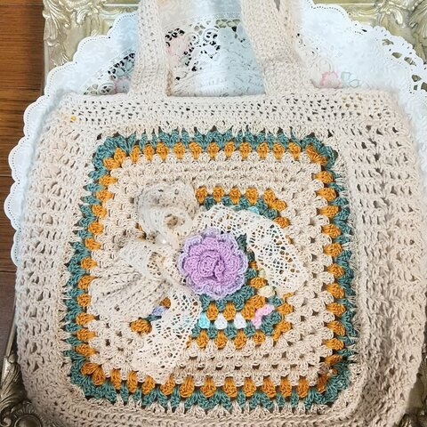 薔薇とリボン&チーフが素敵なニットバッグ・かぎ針編み