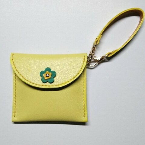 送料無料♪本革のレジ袋入れ 取り外し可能なホルダー付でバッグのチャームにも。