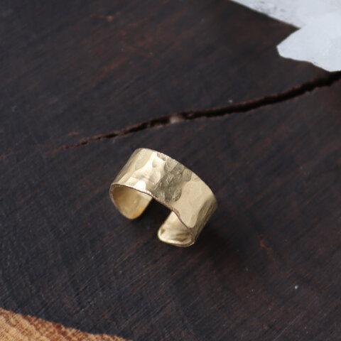 真鍮のつちめ幅広イヤーカフ