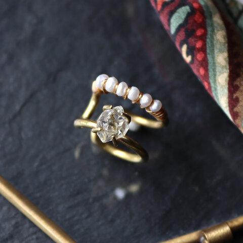 原石ダイヤモンドクォーツとパールの2連イヤーカフ