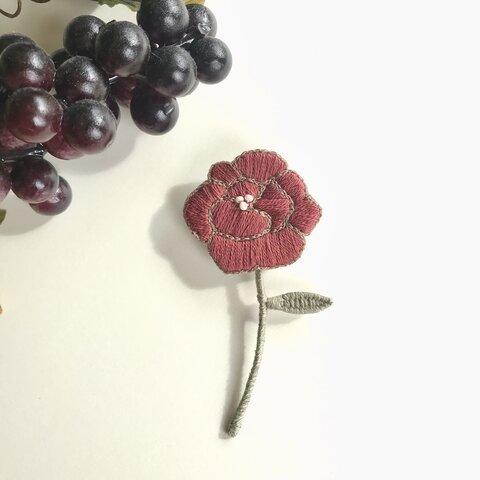 刺繍 お花のブローチ