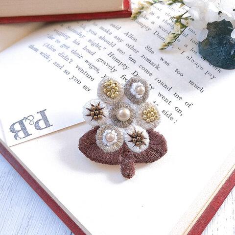 【1点物】gradationブラウン丸花 ビーズ刺繍ブローチ