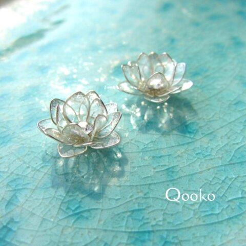 氷の蓮の花