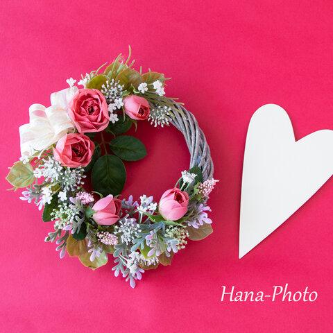 サーモンピンクのバラとレースフラワーの可愛いミニリース(リース台:直径15㎝)    (362)