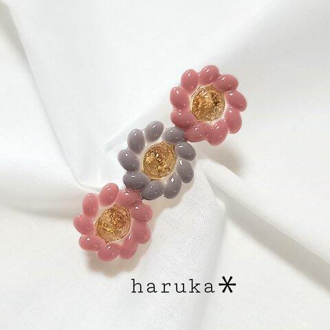 大人のやさしいくすみカラー 3連お花ヘアクリップ(ローズピンクベース)