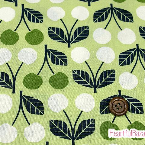 USAコットン(110×50) COTTON+STEEL Under the Apple Tree さくらんぼ グリーン 生地 布