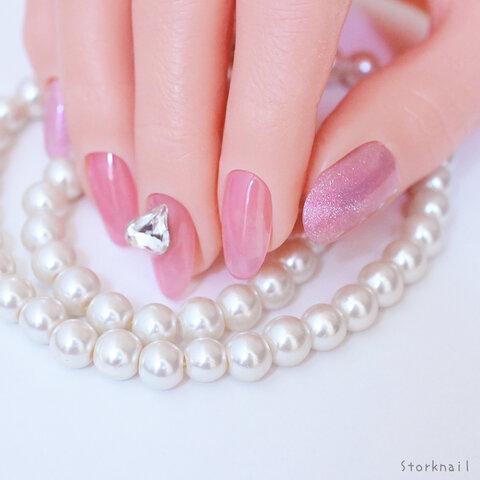 ちゅるん と うる つや 透け感 ある ピンク カラー の うるうる シンプル ネイルチップ