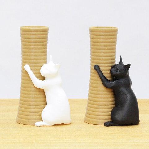 猫のペン立て(抱きつき)