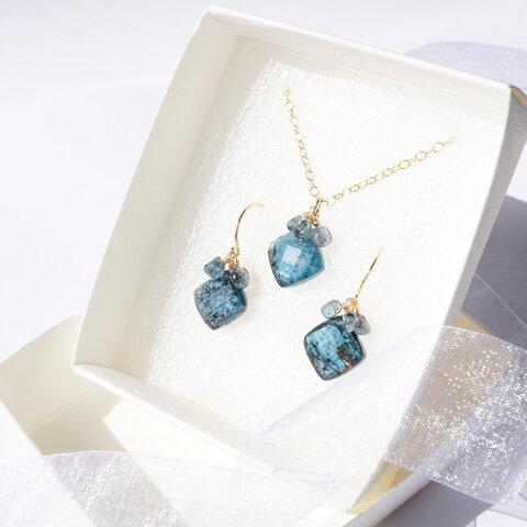 【お得セット】『深海ブルー』モスカイヤナイト くすみブルーの天然石 揺れるネックレス×ピアス(K18 K14 K10 14kgf イヤリング ノンホールピアス 樹脂ピアスに変更可)